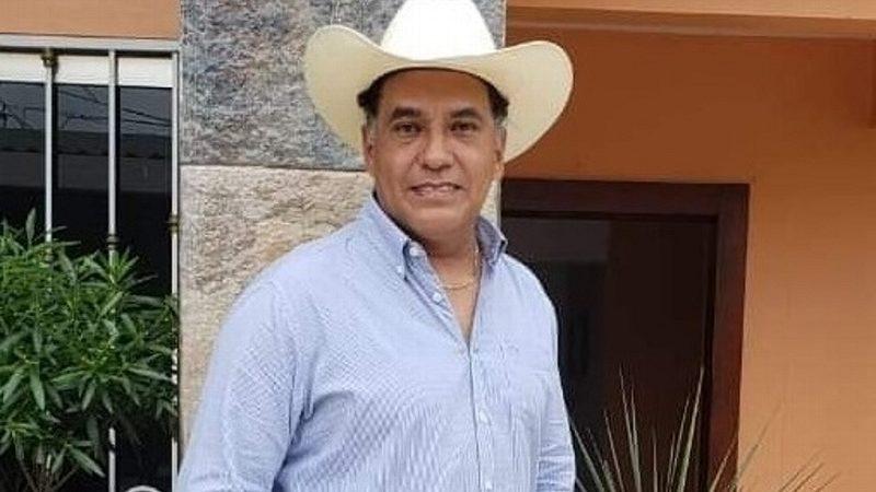BALEAN CASA DE EX PRESIDENTE MUNICIPAL DE ACAYUCAN