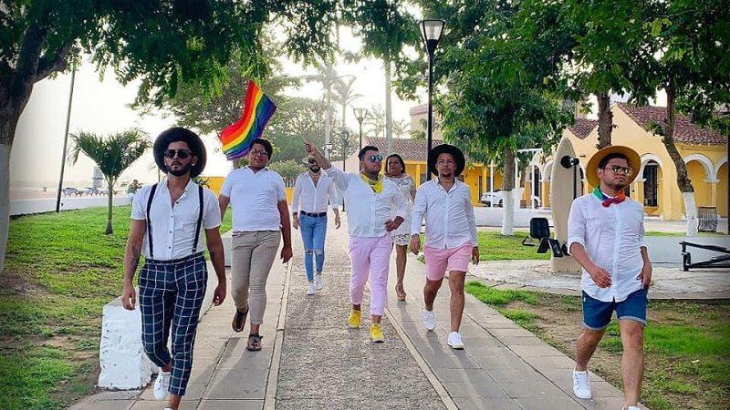 HUBO DESFILE GAY EN TLACOTALPAN