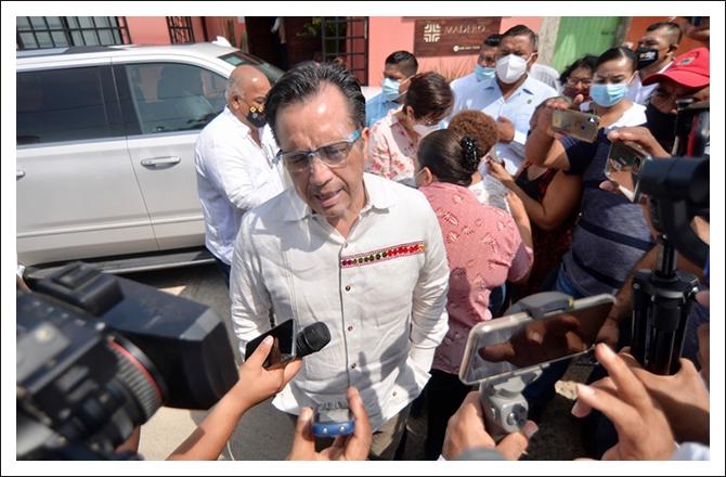 LLEGA GOBERNADOR A TRES VALLES A PRESIDIR MESA DE SEGURIDAD