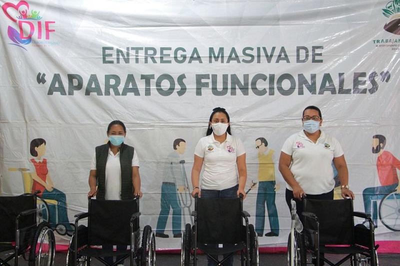 BERTHA HACE ENTREGA MASIVA DE APARATOS FUNCIONALES EN CHACALTIANGUIS