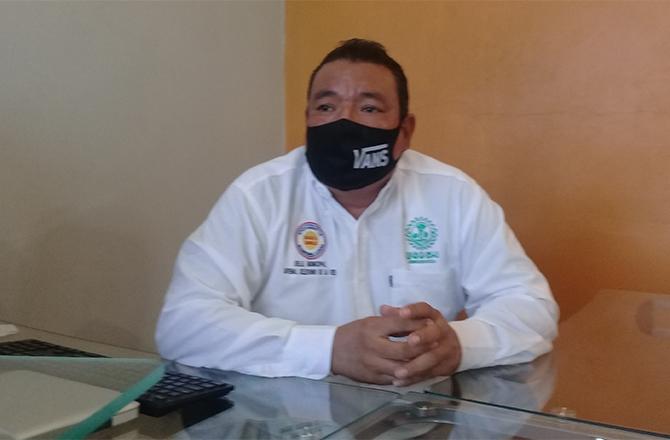 JUVENAL RECIBE DONACIONES EN ESPECIE PARA ENTREGAR EN CARLOS A. CARRILLO