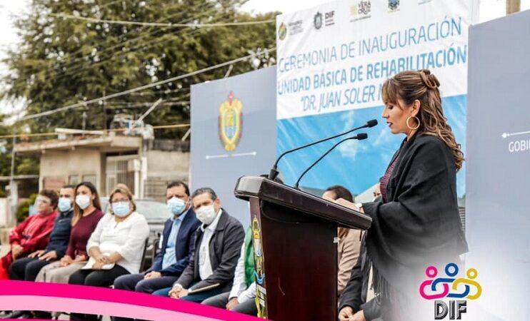 FERNANDO Y LUPITA, CUMPLIERON EL SUEÑO, CONSTRUYERON UNIDAD DE REHABILITACIÓN EN ISLA
