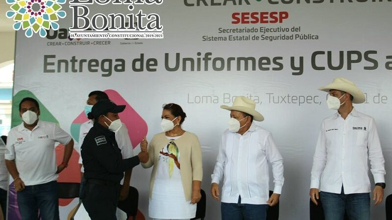 LLEGA GOBERNADOR A LOMA, CERTIFICA Y ENTREGA UNIFORMES A POLICÍAS