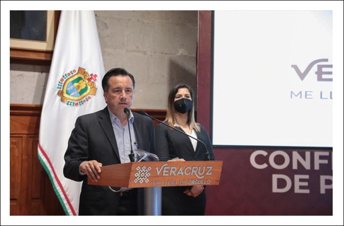 VOLUNTARIO REGRESO A CLASES EN VERACRUZ
