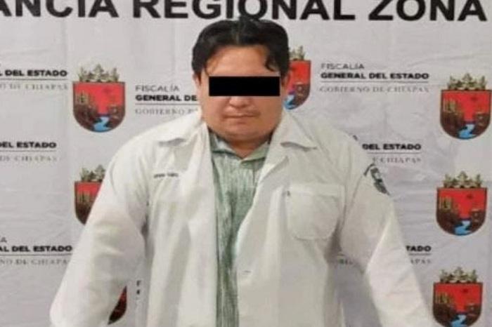 "MÉDICO ""RATA"", APLICABA FALSAS VACUNAS ANTICOVID EN CHIAPAS"