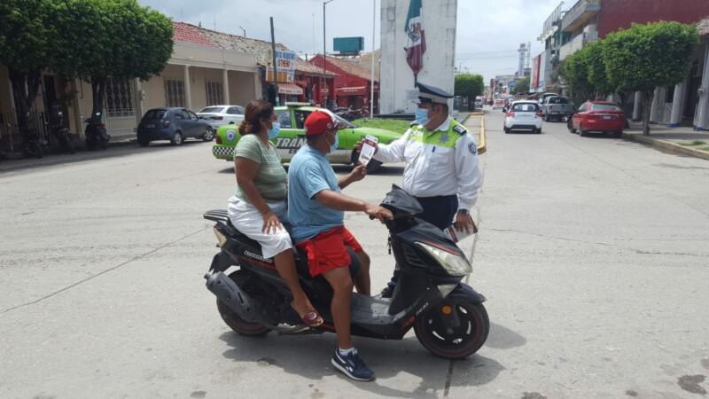 TRANSITO INSISTE EN USO DE CASCO EN COSAMALOAPAN